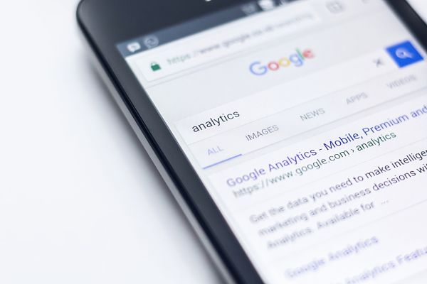 Smartphone display with google search box